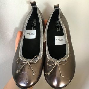 Kenneth Cole Reaction Flats Child Size 3.5 NWT